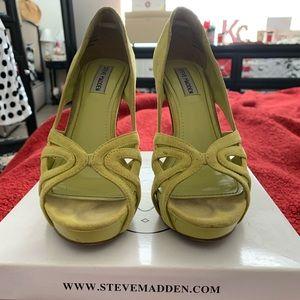 Steve Madden Women's Shoe
